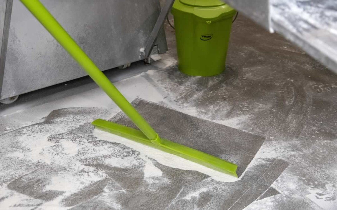 How Squeegees Make the Task of Cleaning Much Less Demanding